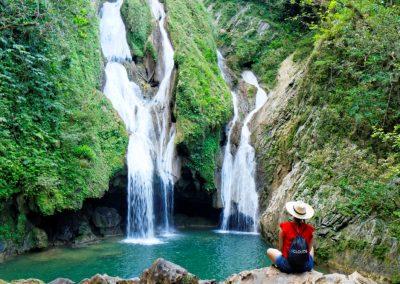 fantastyczny wodospad, lato na Kubie