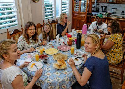 Gdzie mieszkać na Kubie? Śniadanie na Kubie w casa particular. Vinales