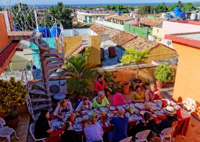 Śniadanie na tarasie w Trynidadzie na Kubie