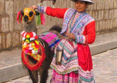 Peruwianka z lamą, wyprawa do Peru, Chivay w kanionie Colca