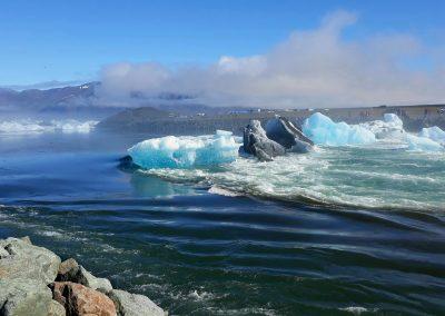 Co koniecznie trzeba zobaczyc na Islandii - góry lodowe na jeziorze Jokursalon