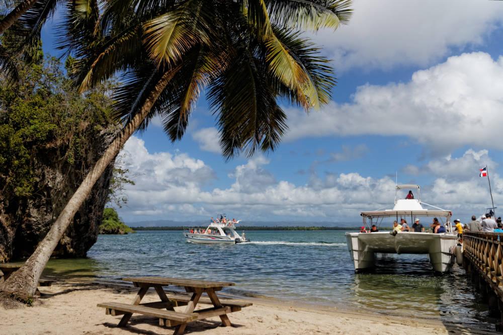 Dominikana otwiera się na turystów i pasjonatów bachaty!